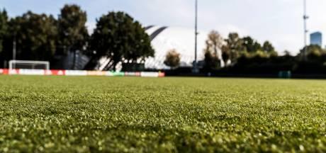 Sportpark Meppel op eerste competitiedag ontruimd na positieve test voetballer