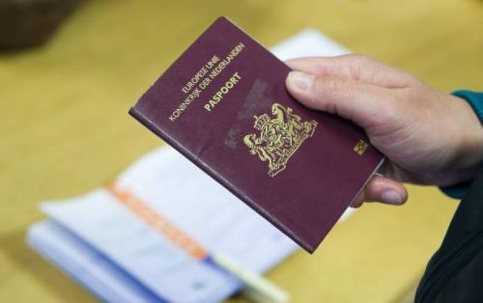 Een Nederlands paspoort. ANP
