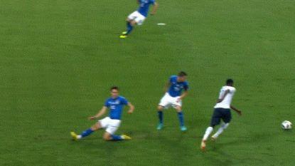 Frankrijk klopt jeugdig Italië in oefenpartij, maar dé actie van de match leverde net geen treffer op