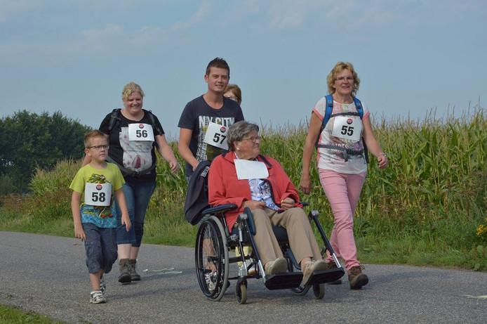 Na de vijfde en laatste editie van de Ronde van Terwolde resteren er mooie herinneringen en foto's aan een inzamelingsactie voor het goede doel van oude en jonge hardlopers en wandelaars, sportievelingen in een rolstoel en wheelers.