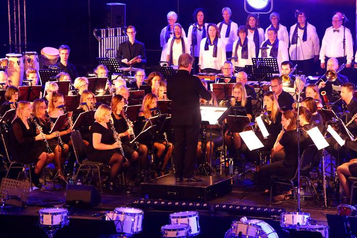 jubileum concert harmonie kaatsheuvel[foto ricardo smit].