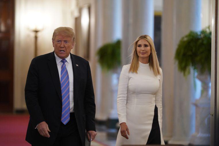 President Donald Trump met zijn dochter en adviseur, Ivanka Trump.