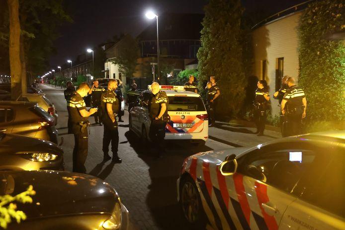 Politie doet onderzoek na een schietincident bij de Minister Talmalaan in Rijswijk.