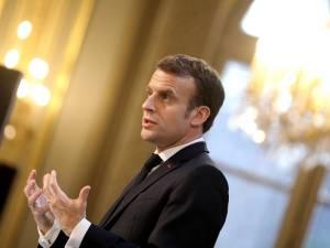 """Macron: """"Essayez la dictature et vous verrez!"""""""