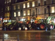 Tientallen boeren verlaten Binnenhof na verrassingsactie: 'We hebben ons punt wel weer gemaakt'