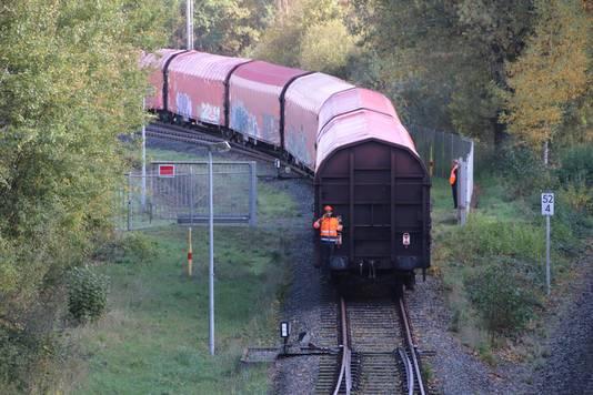 De trein die verarmd uranium vervoert