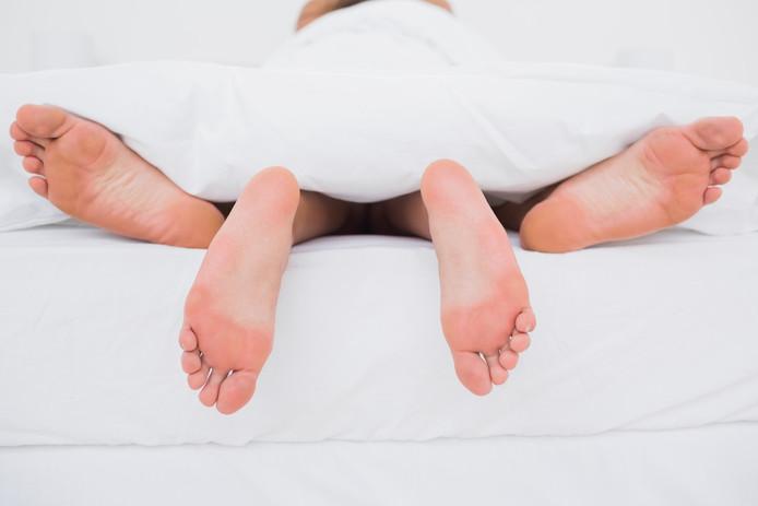 Een vrijpartij kan de hoofdpijn van je kater verlichten en het is nog goed voor je weerstand ook. Handig als je nog wat dagen door wil feesten!