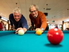 Groen laken, tientallen keus en gekleurde ballen: Biljartvereniging 't Groene Hart bestaat 25 jaar