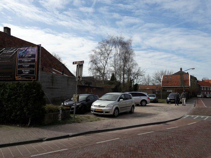 De braakliggende hoek van de Vrijthof 19, een doorn in het oog van de gemeente.