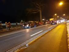 Vijf auto's betrokken bij kettingbotsing in Enschede