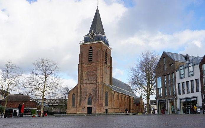 De toren van de Petruskerk in Woerden.