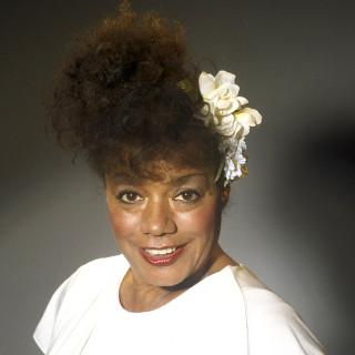 feministische-cabaretier-natascha-emanuels-(78)-overleden