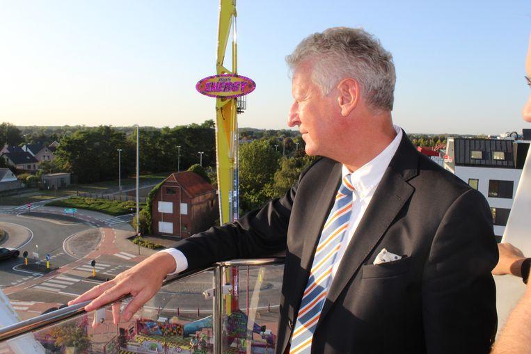 Pieter De Crem genoot in september nog van 'zijn' Aalter vanuit het reuzenrad. Een windmolen wil hij daar niet zien.