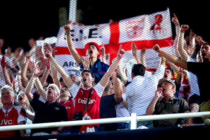 Fans van Arsenal in Mestalla, waar vanavond met 2-4 werd gewonnen van Valencia.