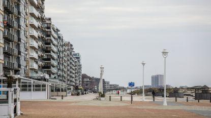 Kinderen mogen met gehuurde gocart op Zeedijk van Nieuwpoort rijden