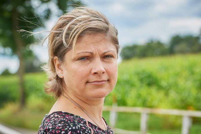 Anna Ramanovic (42) uit Uden verloor in één week haar moeder, oom en broer aaan corona hier op de plek in Vorstenbosch waar ze vaak met haar moeder wandelde.