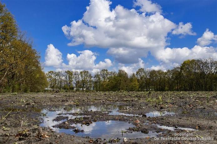 De locatie waar het het azc in Eschmarkerveld zou komen.
