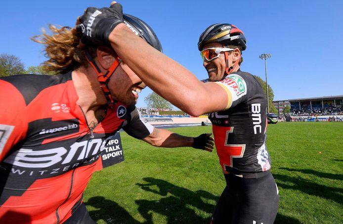 Vreugde bij de BMC-renners Van Avermaet en Oss