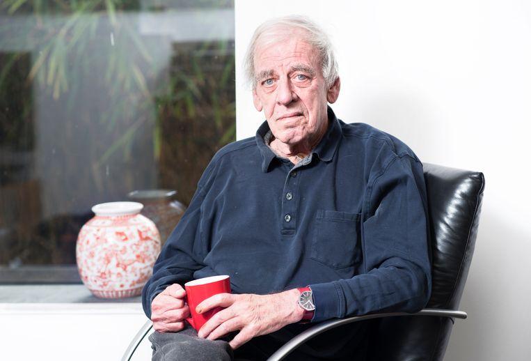 Schrijver Jeroen Brouwers in zijn huis in Lanaken, België, 6 maart 2017 Beeld Els Zweerink