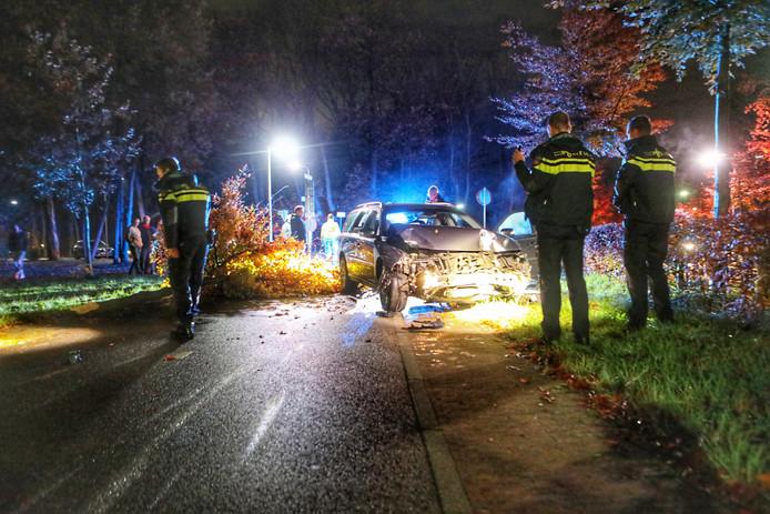 De auto raakte zwaar beschadigd bij de botsing in Zeist.