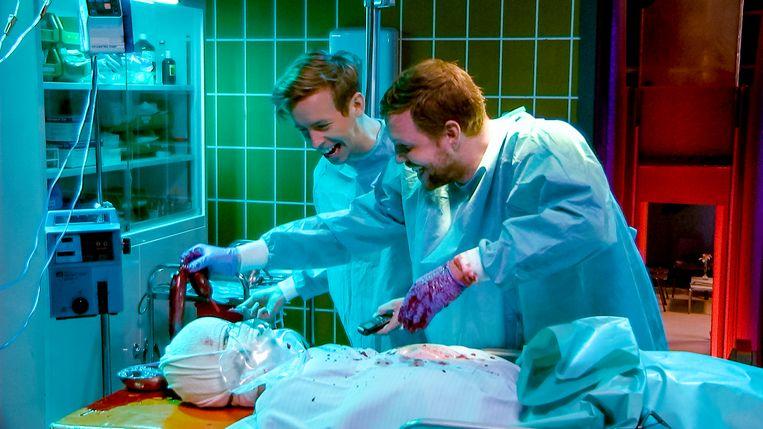 Jonas Van Geel en Jelle Cleymans wagen zich vanavond aan een dissectie.