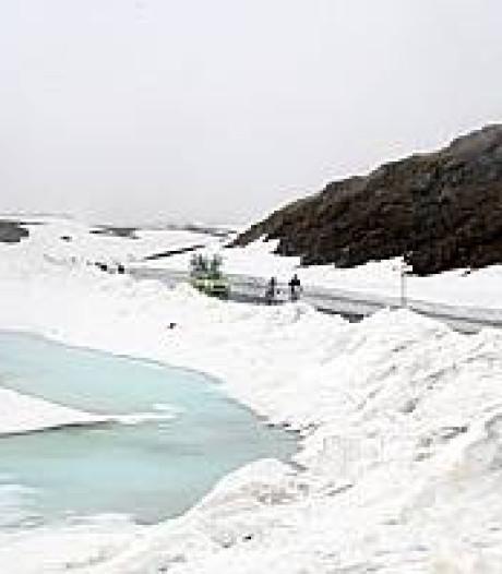 Girobaas houdt hoop dat ondergesneeuwde Gavia begaanbaar is