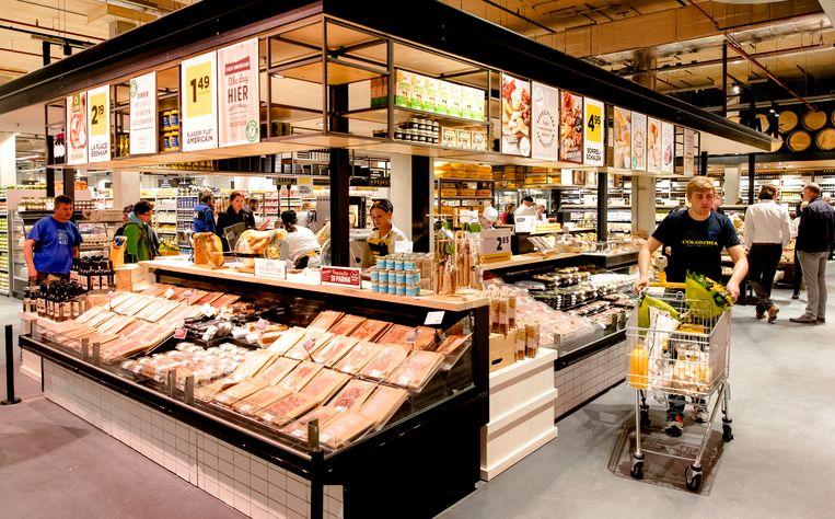 De Jumbo supermarkt in Leischse Rijn (Utrecht) met daarin een La Place. Beeld ANP