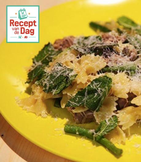 Recept van de dag: Farfalle met worst, pecorino en munt
