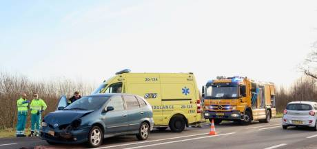 Twee gewonden bij kettingsbotsing in Hulten