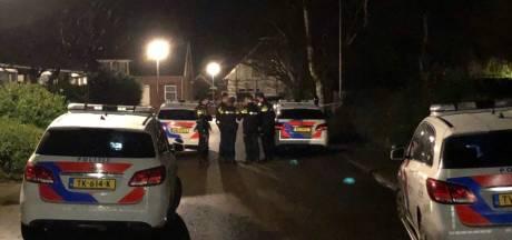 Daders vluchten na gewapende overval in Eibergen; politie ontdekt bij toeval drugs