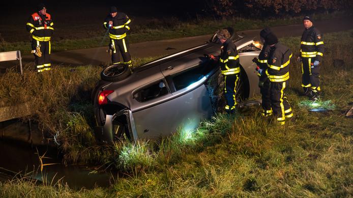Auto crashte op de A58 bij Tilburg.
