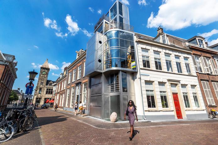 Het hoekhuis op de Kromme Nieuwegracht en de Drift wordt in de toekomst een bed and breakfast