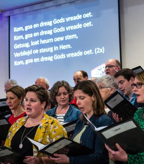 Dialectdienst in Rijssen is geen folklore, maar wel viering die heel dichtbij komt