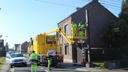 Truck ramt signalisatie boven overweg