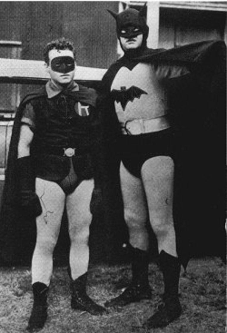 Robert Lowery (rechts) en Johny Duncan als Batman en Robin in de tweede reeks van 'Batman'.