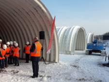 Laatste van 12.000 bouten in fietstunnel onder Europalaan in Kaatsheuvel