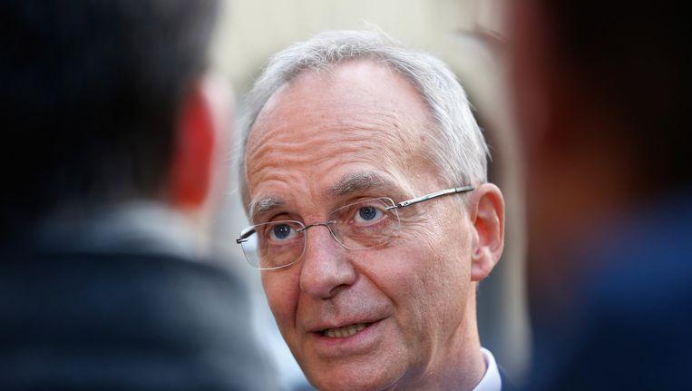 Henk Kamp minister van Economische Zaken arriveert op het Binnenhof voor de wekelijkse ministerraad. Beeld anp