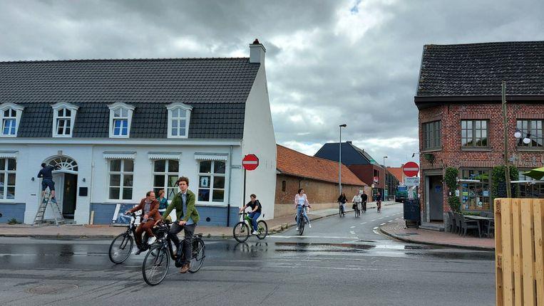 Stad Poperinge en de curatoren van het Kunstenfestival Watou lanceren de dichtbundel 'Watou 2020, gedichten' en de fietsroute 'Gedichtenparcours Watou 2020'.