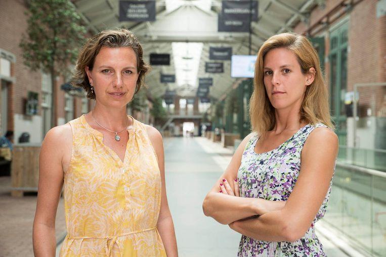 Carola Lammers (links) & Saskia Rácz vechten met rechtszaken tegen huisuitzetting en huurverhoging Beeld Charlotte Odijk