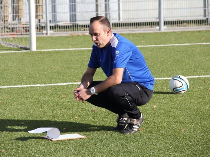 Ralph Zegers coacht woensdag een Zeeuws-Vlaamse zaalvoetbalselectie, die het opneemt tegen Groene  Ster Vlissingen.