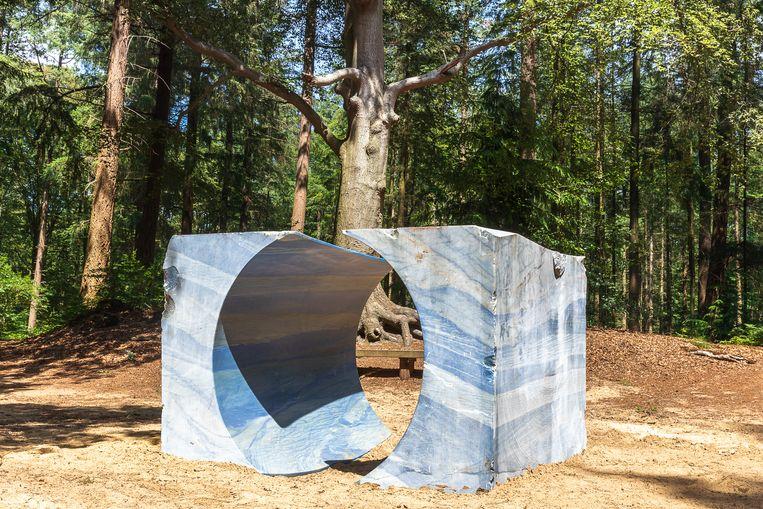 Steensculptuur in het Sterrebos Beeld S VELDEMA/ Into Nature