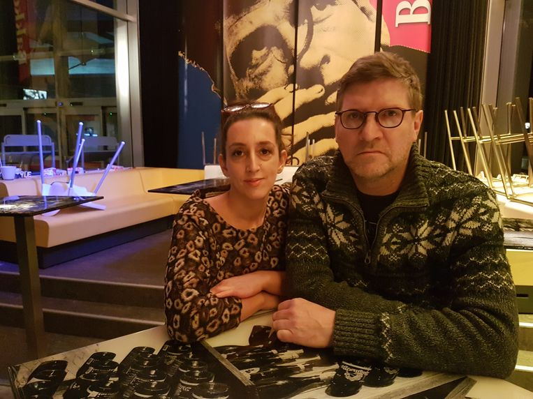 Nagiba en Eddy De Ketelaere in hun cultuurcafé De Bakkerei.