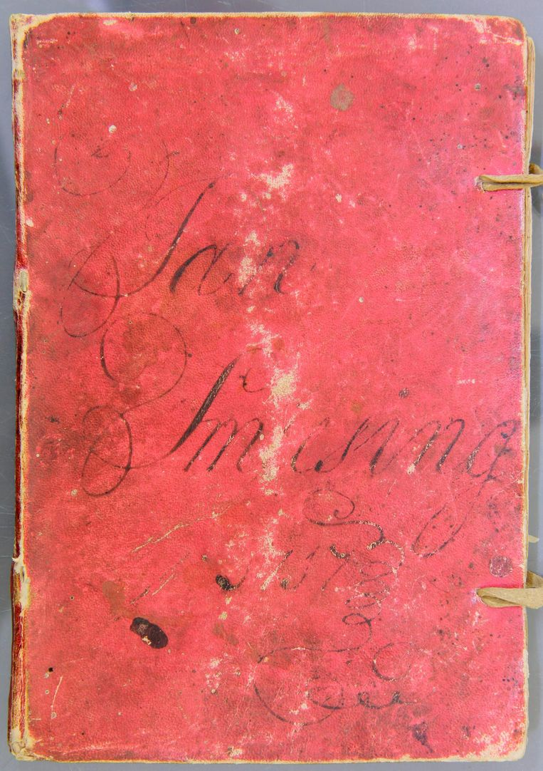 Rode aantekenboekje Jan Smiesing (1697-1734) Beeld Rijksmuseum