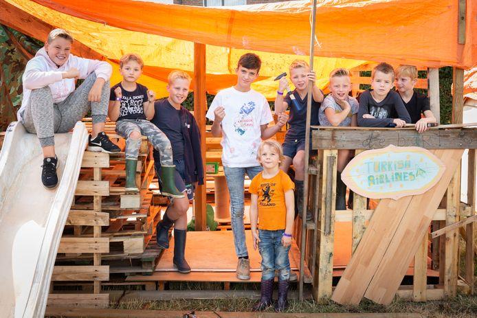 Kinderdorp Valburg van vorig jaar was een groot succes. Dit jaar kan het helaas niet doorgaan, het leidde tot huilende kinderen.