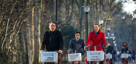 'Fietsambassadeur' Radboud Universiteit kreeg staatssecretaris Van Veldhoven op bezoek