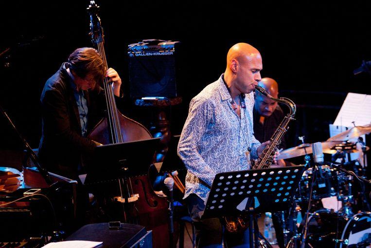 James Farm tijdens een concert in Polen, 2012. Met Joshua Redman op de saxofoon, Aaron Parks op de piano, Mett Penman op de bass en Eric Harland op de drums. Beeld epa