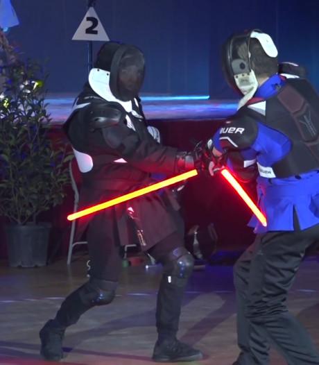 Waan je een Star Wars-held: Franse schermbond voegt lichtsabel toe aan arsenaal
