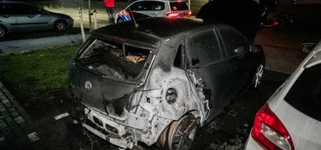 Opnieuw autobrand in Nijmegen, vermoedelijk brandstichting