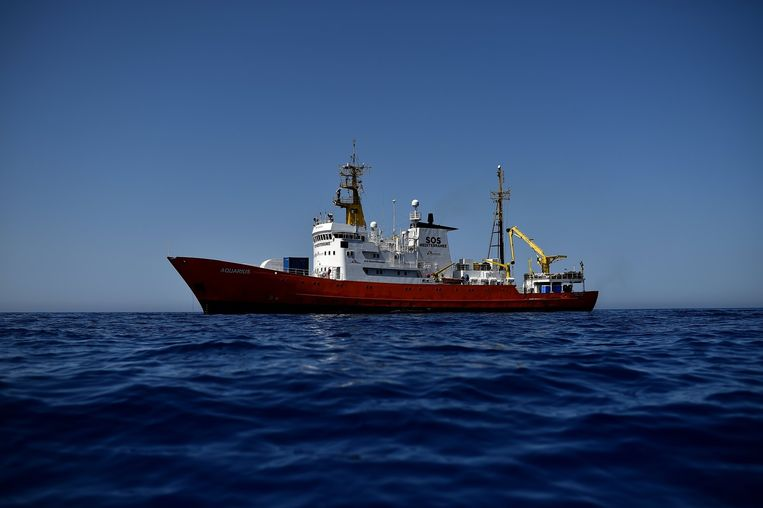 De Aquarius waarmee de hulpverleners de Middellandse Zee bevaren. Beeld afp