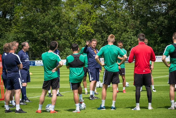 PEC Zwolle traint de komende twee weken op het prachtige natuurgras in Wijthmen, ter voorbereiding op de uitduels met FC Utrecht en Vitesse.